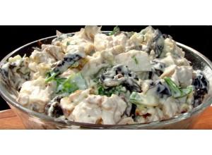 Салат коктейль «Из курицы и чернослива»