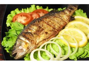 Рыба «Сибас» на углях с овощами гриль